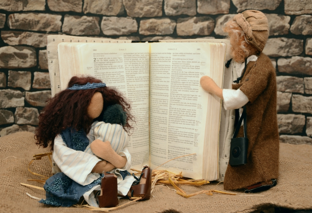 Bible with puppets