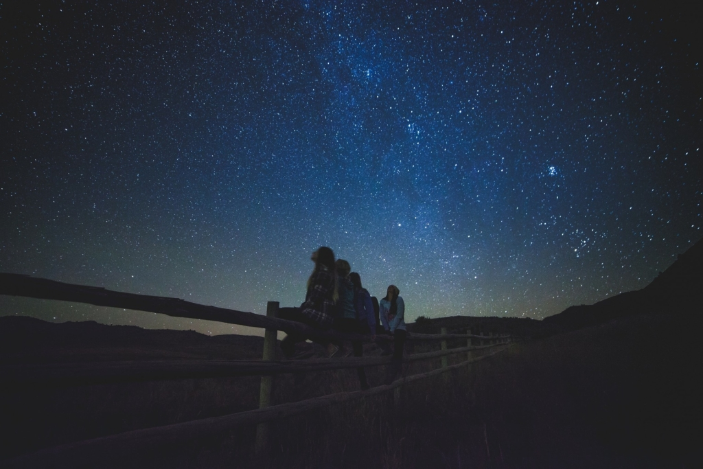 children star gazing